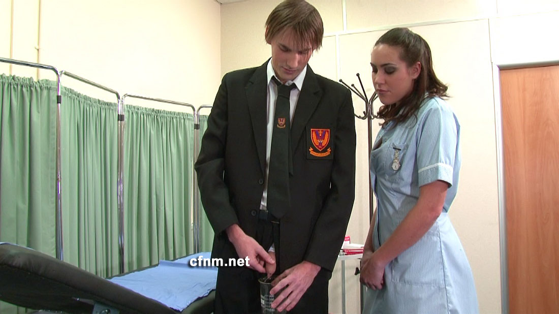 Watching wife give hand job to passing beachcomber - 1 part 3